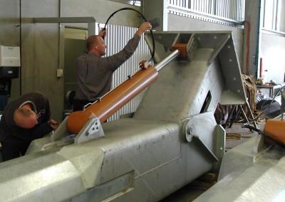 Testing of hydraulic pole